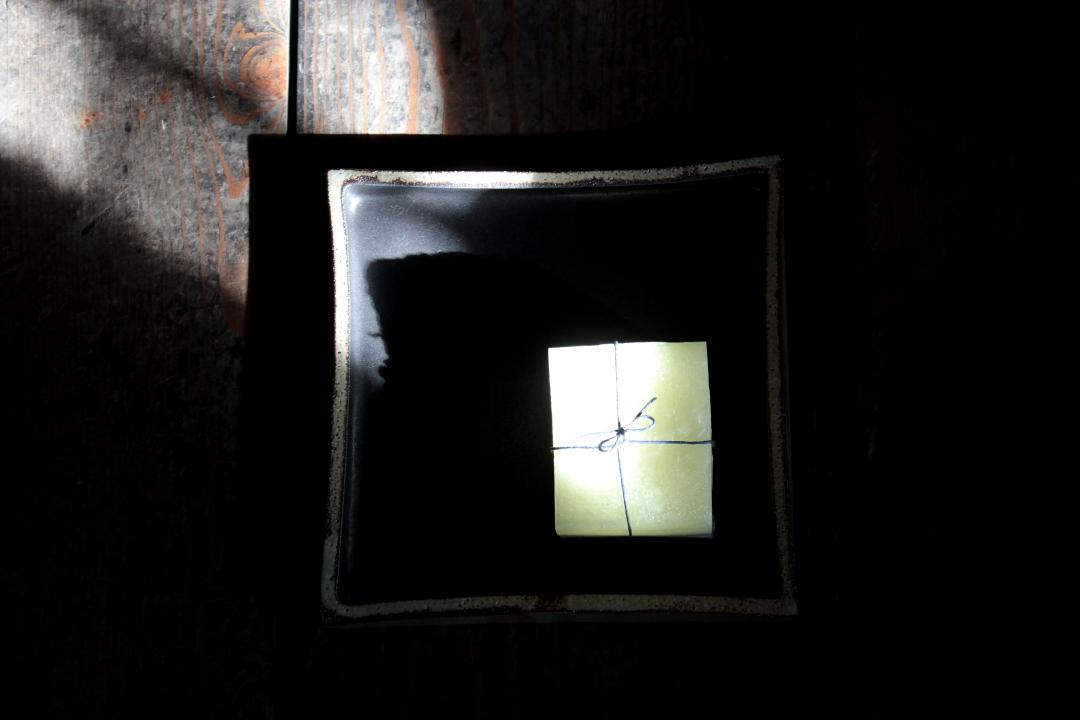 陶器とキャンドルの和の融合(折笠恵子・牧野潤二人展)_a0158797_052776.jpg