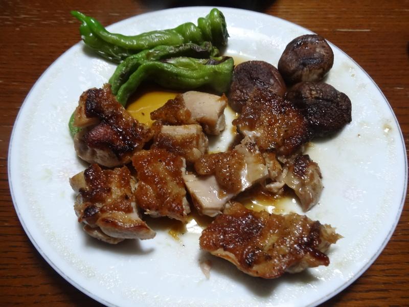 鶏モモ肉のソテー、ひじき煮、カレー、煮豆、焼売、白菜の煮物です。_c0225997_18323893.jpg