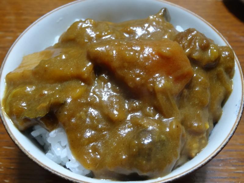 鶏モモ肉のソテー、ひじき煮、カレー、煮豆、焼売、白菜の煮物です。_c0225997_183548100.jpg