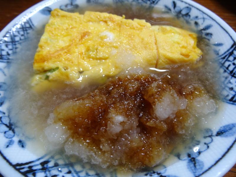 玉子焼き、茄子とピーマンの甘味噌炒め、キムチ納豆、天麩羅と饂飩、コールスロー、レトルトのカレーです。_c0225997_21303381.jpg