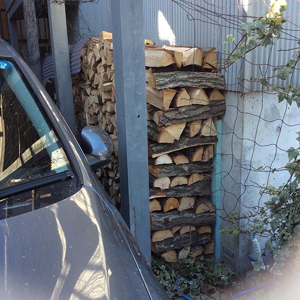 2ヶ月乾燥の薪を使ってみた。_b0038919_1134845.jpg