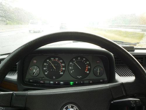 BMW M1 (E26)_e0254365_1618644.jpg