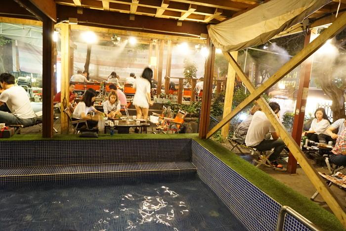 ソウルの弘大(ホンデ)でBBQレストラン「BASE CAMP]とマッコリバー「ニューヨークマッコリ」。_a0223786_9321542.jpg