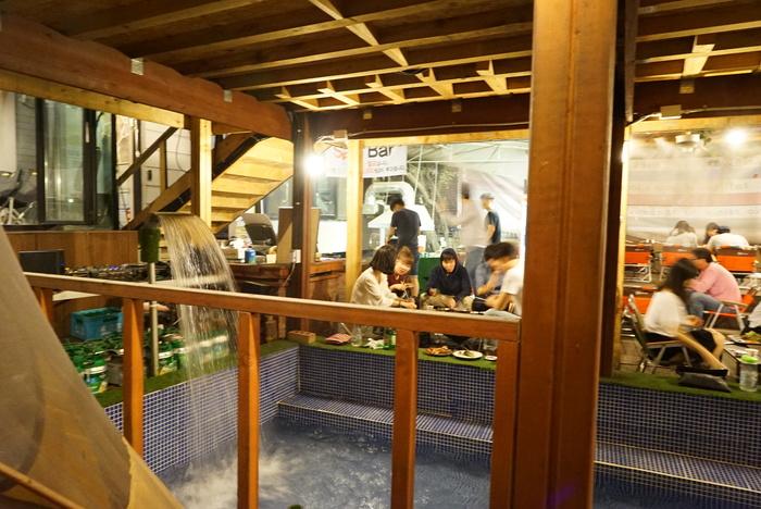 ソウルの弘大(ホンデ)でBBQレストラン「BASE CAMP]とマッコリバー「ニューヨークマッコリ」。_a0223786_9321864.jpg