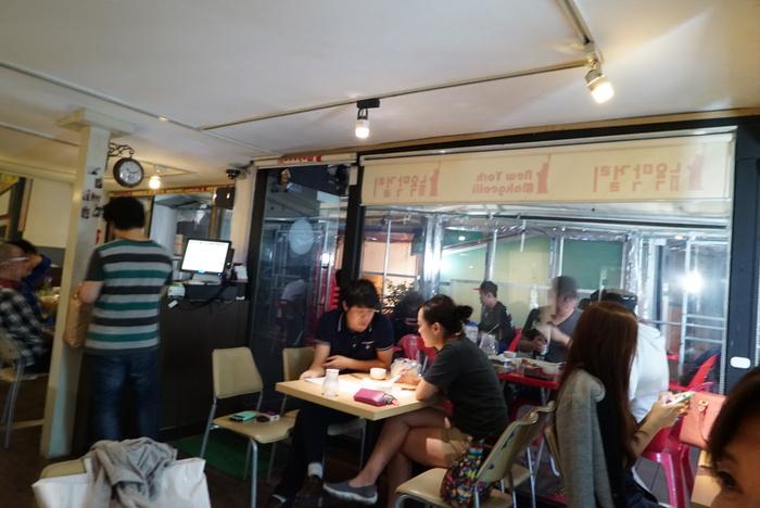 ソウルの弘大(ホンデ)でBBQレストラン「BASE CAMP]とマッコリバー「ニューヨークマッコリ」。_a0223786_9323391.jpg