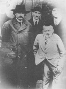 テスラはアインシュタインと会ったか?:スミソニアン写真のテスラは別人だった!?_e0171614_7374996.jpg
