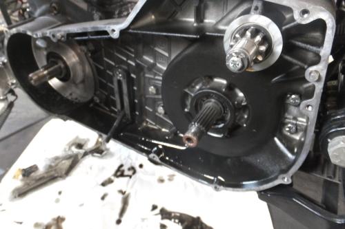 91FXSTC ハンドル・テール交換 発電不良修正 CCバーも切ったゾ_a0257316_23174489.jpg