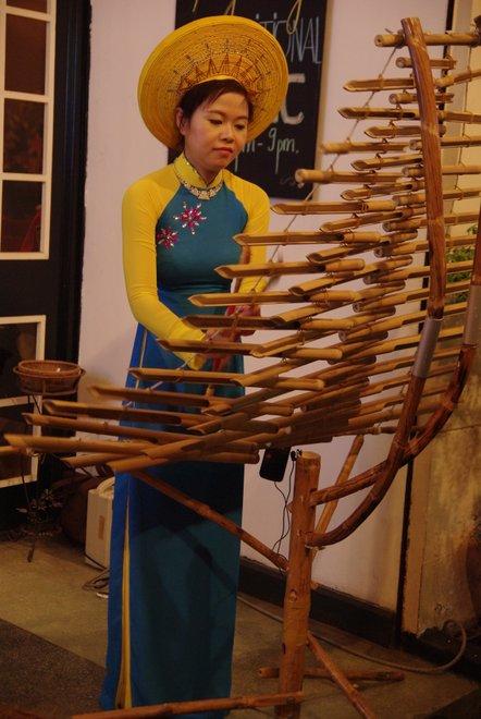 ベトナム最初の夜は_e0171336_122474.jpg