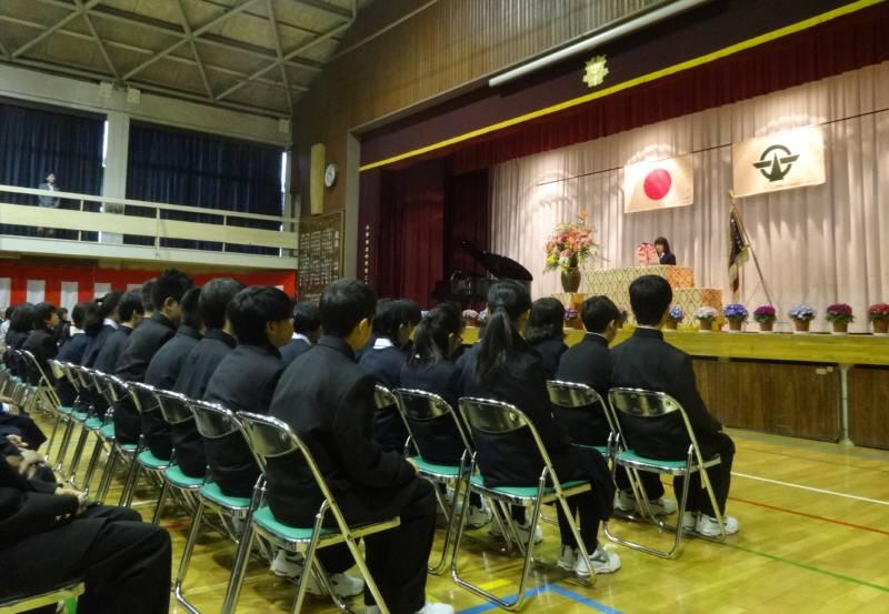 市内中学校入学式_f0059673_20594061.jpg