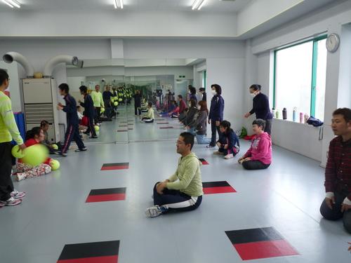 「体操」_c0214657_1848158.jpg