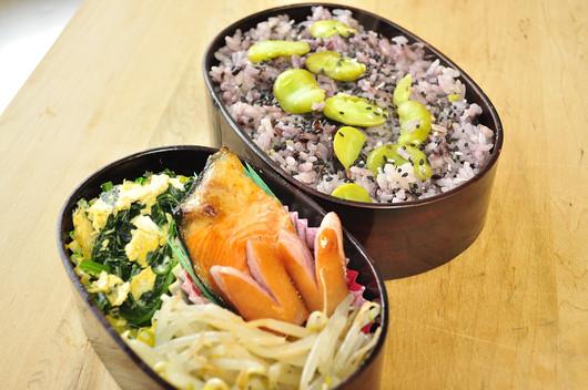 黒米と空豆のごはん弁当_b0171098_936128.jpg