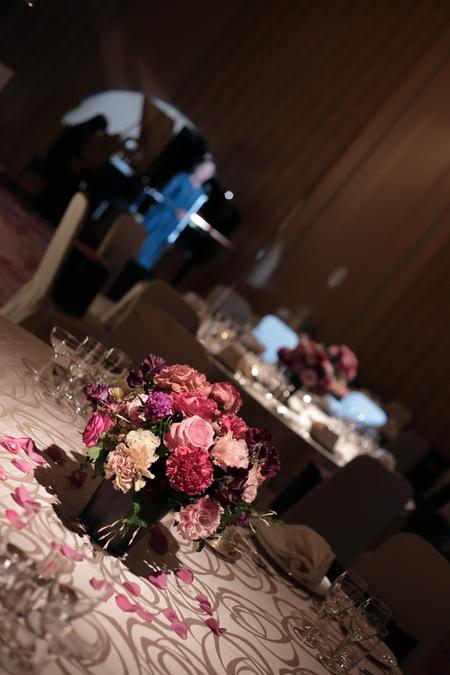 春の装花 バラの装花 パレスホテル立川様、 ローズルームへ_a0042928_22403153.jpg