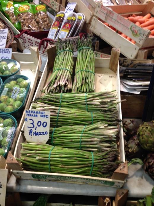 中央市場、キノコ屋のマッシモ_a0136671_1315549.jpg