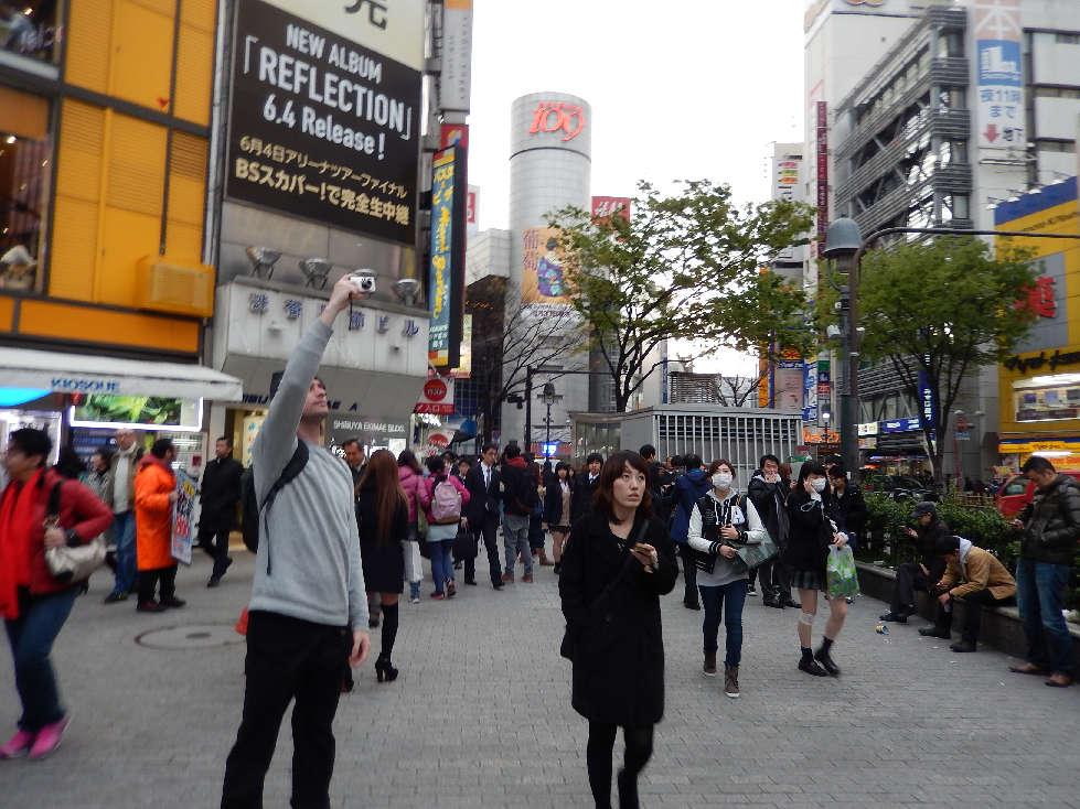 イースター休みに渋谷スクランブル交差点に出没した外国人をシューティング_b0235153_11583615.jpg