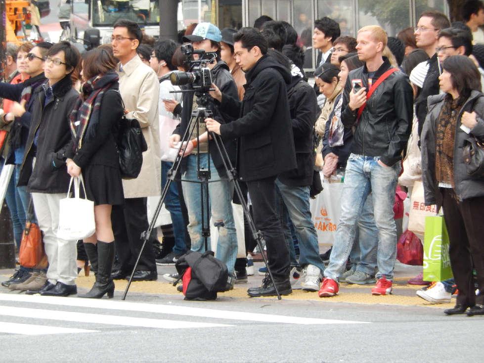 イースター休みに渋谷スクランブル交差点に出没した外国人をシューティング_b0235153_1159996.jpg