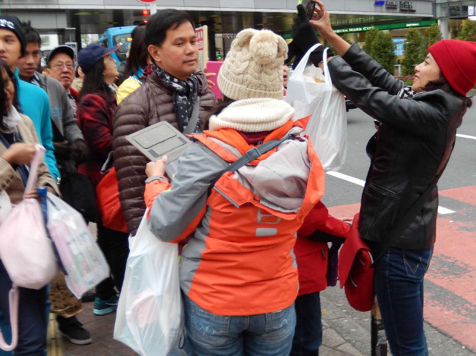 イースター休みに渋谷スクランブル交差点に出没した外国人をシューティング_b0235153_120162.jpg