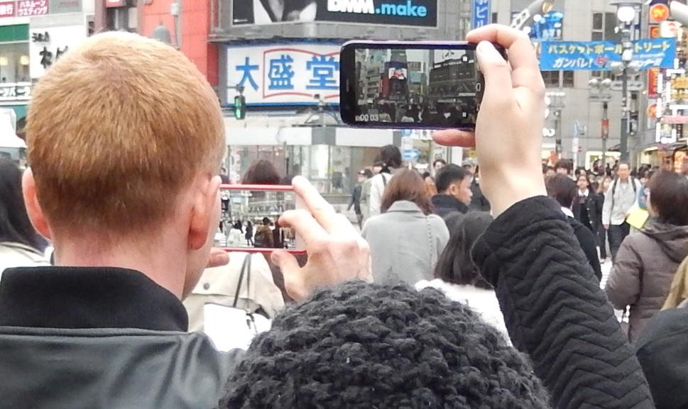 イースター休みに渋谷スクランブル交差点に出没した外国人をシューティング_b0235153_1214255.jpg