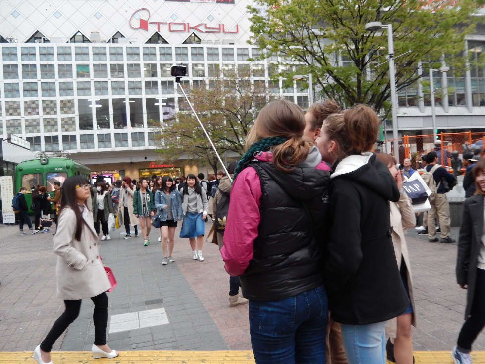 イースター休みに渋谷スクランブル交差点に出没した外国人をシューティング_b0235153_12183754.jpg