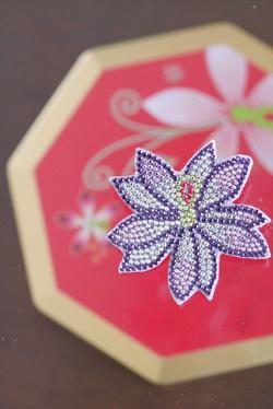メタルビーズ お花のミニバッジ 3 _b0048834_13392845.jpg