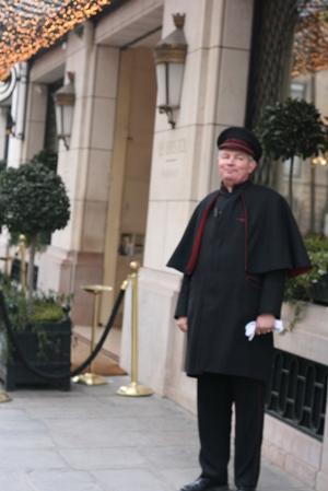 Paris 私のお気に入り ~ホテル サロン・ド・テ編~ 「Hôtel Le Bristol Paris」_c0138180_12165660.jpg