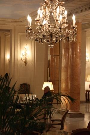Paris 私のお気に入り ~ホテル サロン・ド・テ編~ 「Hôtel Le Bristol Paris」_c0138180_1219136.jpg