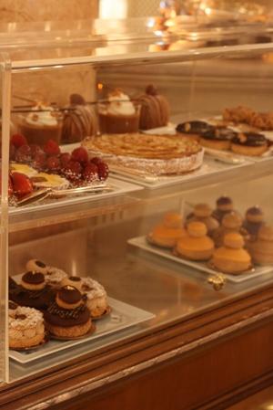 Paris 私のお気に入り ~ホテル サロン・ド・テ編~ 「Hôtel Le Bristol Paris」_c0138180_12263777.jpg