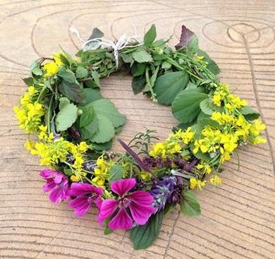 春のハーブで花冠作り_d0100638_15353349.jpg