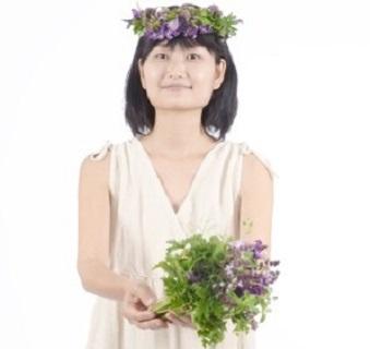 春のハーブで花冠作り_d0100638_1536375.jpg