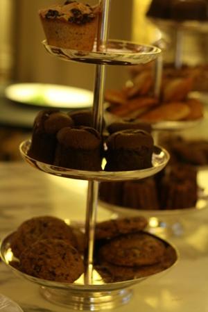 Paris 私のお気に入り ~ホテル サロン・ド・テ編~ 「Hotel Le Meurice 」_c0138180_19531790.jpg