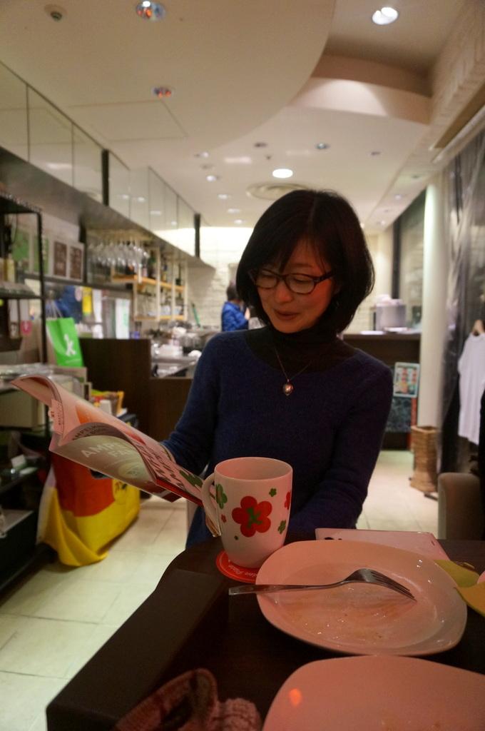 恵比寿のAMPELMANN Cafe Tokioにて。_c0180686_12133952.jpg