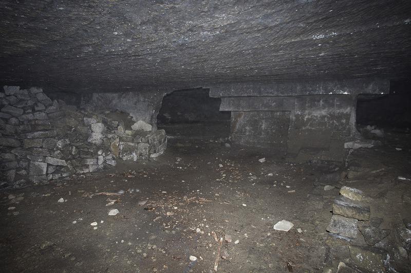 命名 チポ・・・・・Nの穴鉱山・・洞窟温泉_f0281095_1131965.jpg
