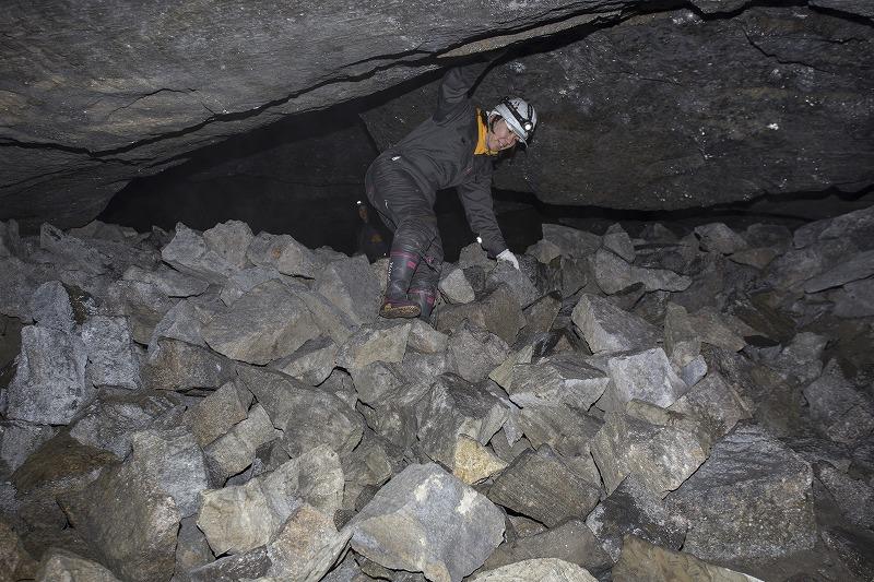 命名 チポ・・・・・Nの穴鉱山・・洞窟温泉_f0281095_1134556.jpg