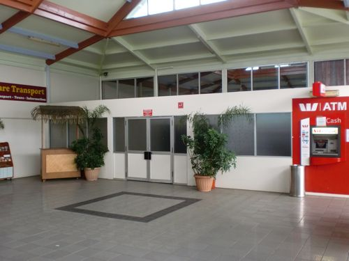旅日記 クック諸島 2012MAY その9   アヴァルア国際空港_f0059796_13391625.jpg
