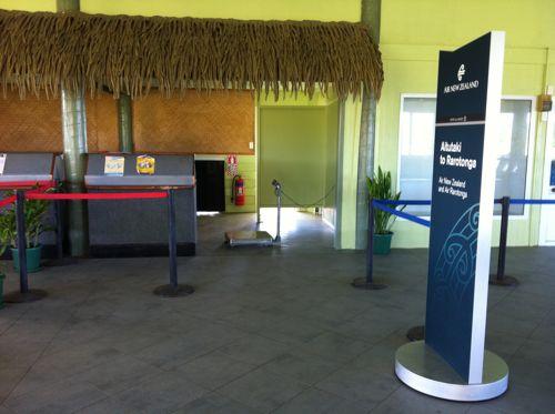 旅日記 クック諸島 2012MAY その14 Air Rarotonga Aitutaki to RAR_f0059796_16182942.jpg