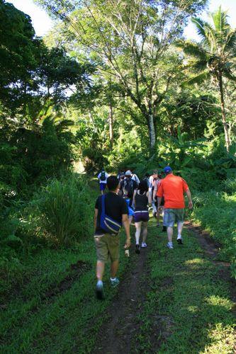 旅日記 クック諸島 2012MAY その16 Paさんのトレッキング_f0059796_1774750.jpg