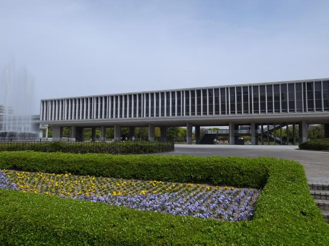 広島平和記念資料館~広島護国神社_f0197703_10131435.jpg