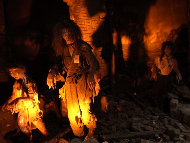 広島平和記念資料館~広島護国神社_f0197703_1018298.jpg