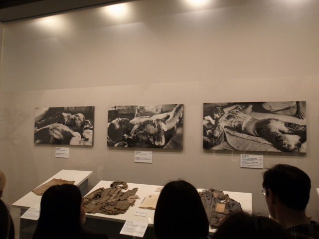 広島平和記念資料館~広島護国神社_f0197703_10235178.jpg