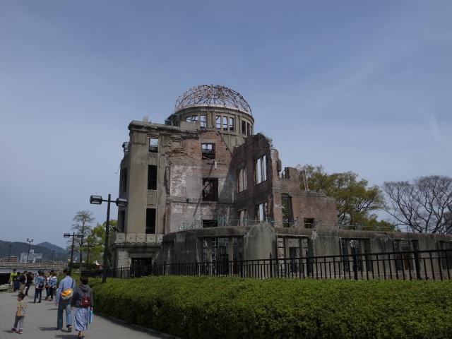 広島平和記念資料館~広島護国神社_f0197703_10262752.jpg