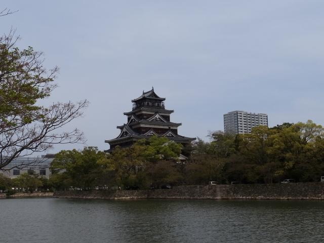 広島平和記念資料館~広島護国神社_f0197703_10272526.jpg