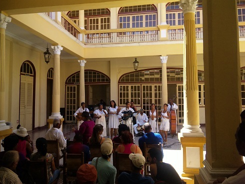 キューバへ行くなら、行く時_a0103940_14023329.jpg
