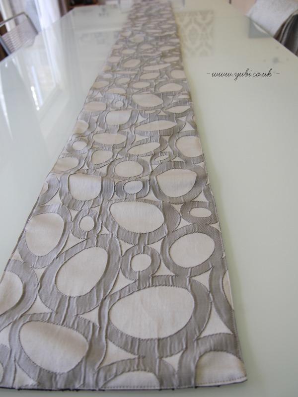 手作りテーブルランナー&ブリッジを使ったテーブルコーディネート♪_b0313387_02463697.jpg