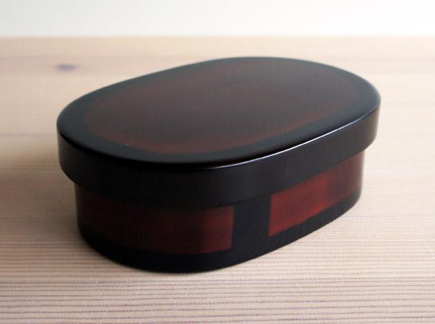 手塚英明さんのお弁当箱(小)、最後のひとつです。_a0026127_1329314.jpg