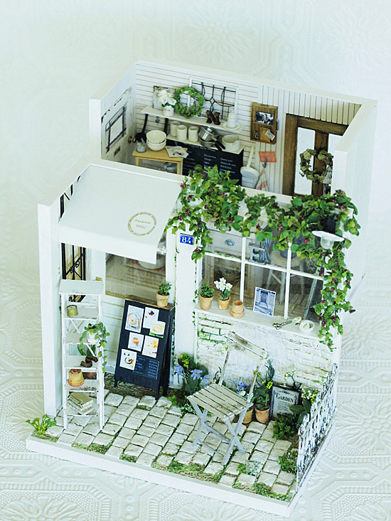 miniature* Garden kitchen と、桜_e0172847_08582359.jpg