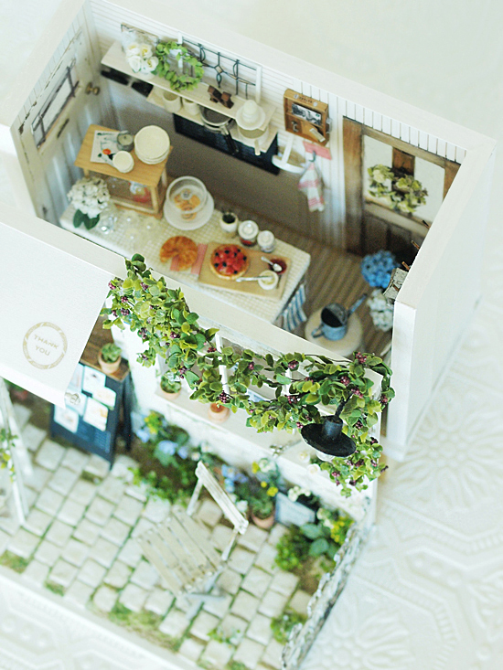 miniature* Garden kitchen と、桜_e0172847_08582717.jpg