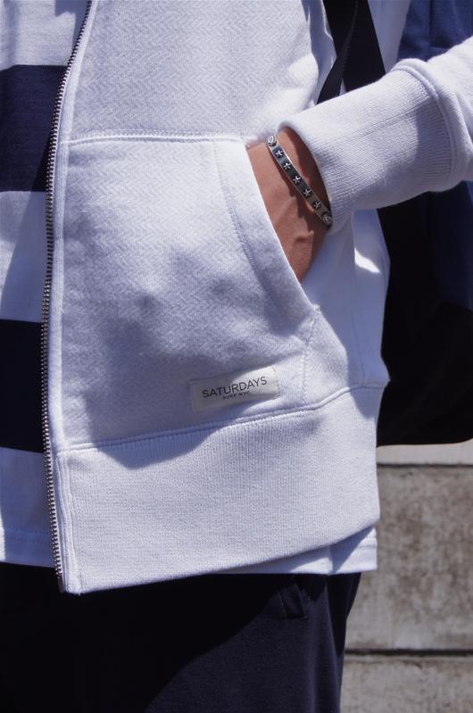 DOGDAYS - White & Navy Spring Look!!_f0020773_1942883.jpg