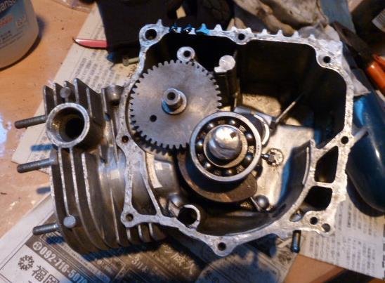 エンジンの中は。_f0166694_19113361.jpg