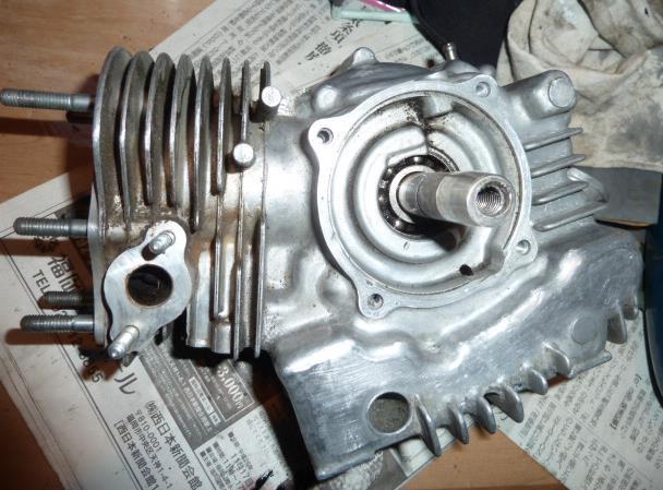 エンジンの中は。_f0166694_1914830.jpg