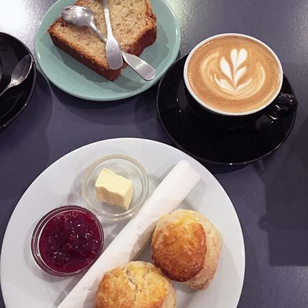TEN BELLS【Cafe, Paris】_b0270459_1551270.jpg