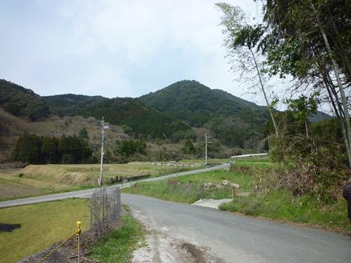 (11)山田古墳群・神名備山の麓で_c0222861_20203444.jpg